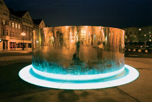 Michal Gabriel - Fountain for Hradec Králové - night scene with the fountaine